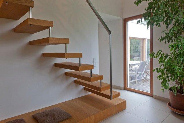 Escalier int rieur menuiserie perea for Fenetre escalier